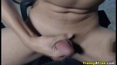 Hot Blonde squirter Liz Rainbow is gagging Thumb