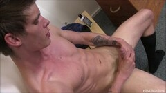 Hot Inked up submissive gets throated Thumb