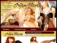 Sexy MILF Lisa Ann dildo fucked by blond lesbian Thumb
