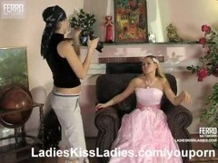 Sexy bride seduced by lesbian photographer Thumb