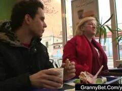 Fast food granny fucked Thumb