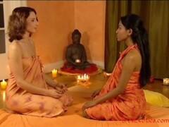 The Tao Of Lesbian Massage Thumb