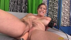 Hot Granny loves machine pounding her pussy Thumb