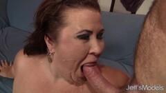 Tattooed amateur dildo fucks her moist pussy Thumb