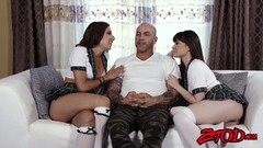 Zoe Parker sucks her sexy feet Thumb