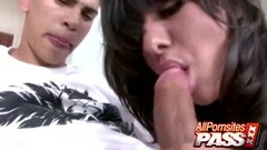 Yanks Beauty rubs her hairy pussy Thumb