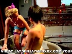 Jayden and Madison Scott Thumb