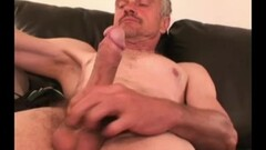 Old Mature Amateur Donnie Beats Off Thumb