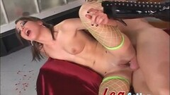 Teen amateur bounces on this hard cock Thumb