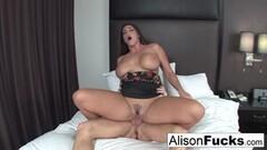 Lucy Thai anal Thumb
