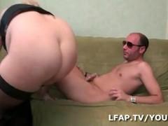 Sexe anal pour cette emo girl Belge dans une baise a trois Thumb