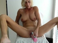 Horny Milf with Nice body Thumb