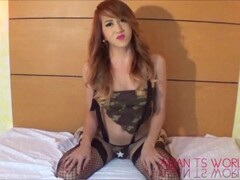 FakeTaxi Exotic stunner in office break taxi fun Thumb