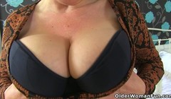 British milf Camilla Creampie fucks fanny with dildo Thumb