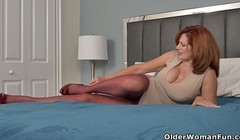 Sultry milf Andi James from Florida rubs clit in nylons Thumb