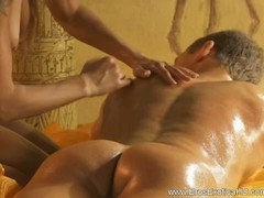 Golden Massage To Relax You Thumb