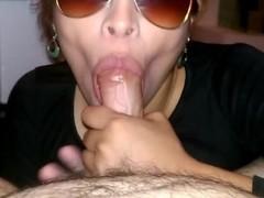 deliciosa mamada de verga y me hace eyacular en su boca Thumb