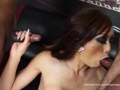 Venus Lux Bukkake Gangbang Thumb