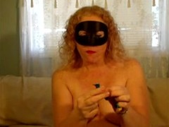 Masked milf redhead chewing gum with hot cum Thumb