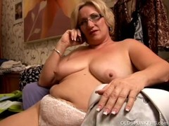 Beautiful big belly mature BBW loves to play with her juicy pussy Thumb