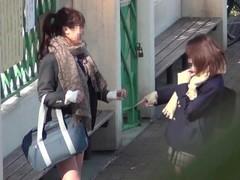 【JAPAN】peeing peeping pii pis schoolgirl cute Thumb