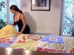 Liza del Sierra gives a full service massage Thumb