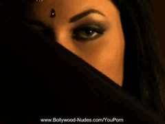 Bollywood-Nudes MILF Dancer Thumb