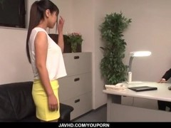 Ravishing fuck at the office along Yu Shinohara Thumb