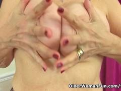 British granny Savana loves showing off her fuckable body Thumb