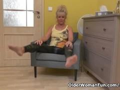 Euro granny Koko rubs her old cunt Thumb