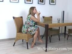 Nara Abel masturbates on her kitchen table Thumb