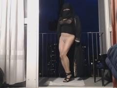 gros seins de musulmane au balcon Thumb