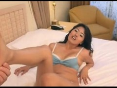 A gorgeous Asian with Sexy feet. AC Thumb
