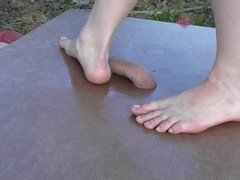 Barefeet cockcrush in the forrest with cumshot Thumb