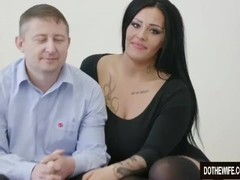 Swinger slut Ashley Cumstar fucked in front of husband Thumb