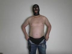 Penis en Ballen. Lul en scrotum met touw vastgebonden en klaarkomen. Besneden stijve penis Hollandse Thumb