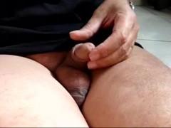 masturbation de mon micro penis Thumb