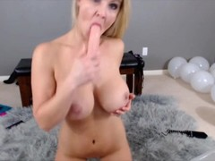 Gorgeous busty blond housewife Sydney gets squirting fountain. Thumb