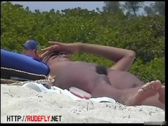 Gorgeous brazilian chicks beach voyeur vid Thumb