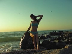Risky public blowjob on the beach.Travel diaries pt1 Thumb