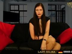 Bewerbung bei der Office Domina Lady Julina als keuscher Lustsklave Thumb