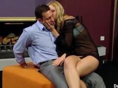 Teasing Slut Cindy White Blows and Handjobs Thumb