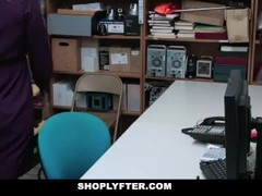 ShopLyfter - Sticking it In a Ginger Thief Thumb