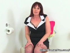 British milf Beau dildos her cunny in the bathroom Thumb