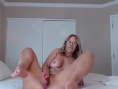 Awesome mature cock rider fucks her amazing ass Thumb