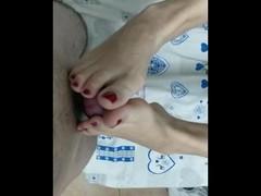 Jole's first footjob.mp4 Thumb