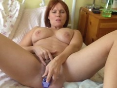 Amateur mature hairy big titted wife orgasms all over her toy Thumb