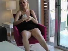 Blond german amateur milf fucked in hotel Thumb